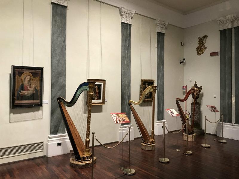 02 Le arpe della Collezione Giulini dal Settecento al Novecento
